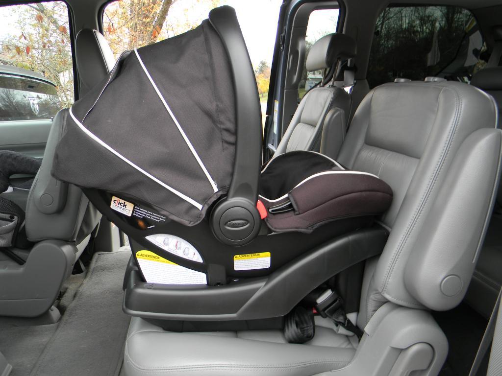 Автолюльки для малышей: можно ли обойтись?